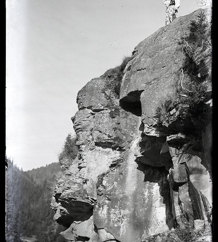 Krajobraz górski. Na skałkach_Arch. PME N. 4124_1