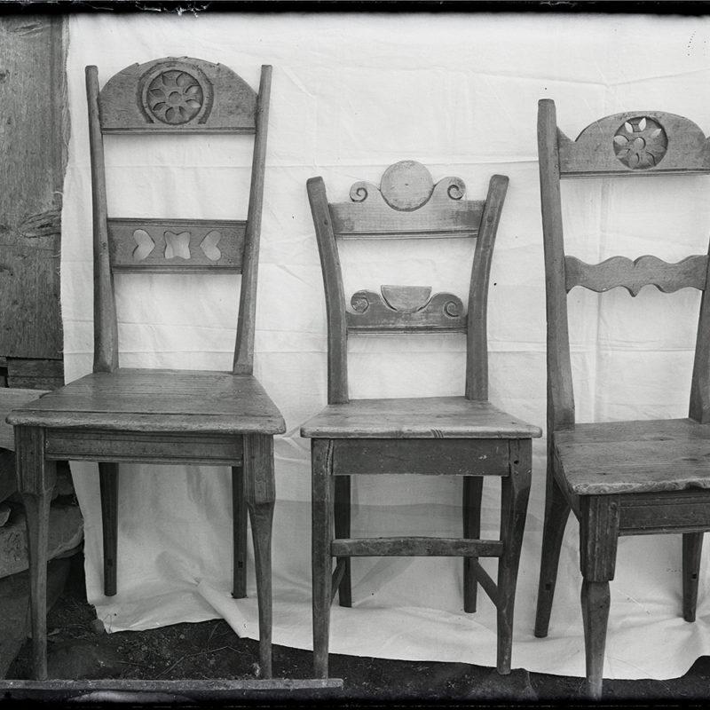 Meblarstwo ludowe. Krzesła ozdobne_Arch. PME N.4074_1