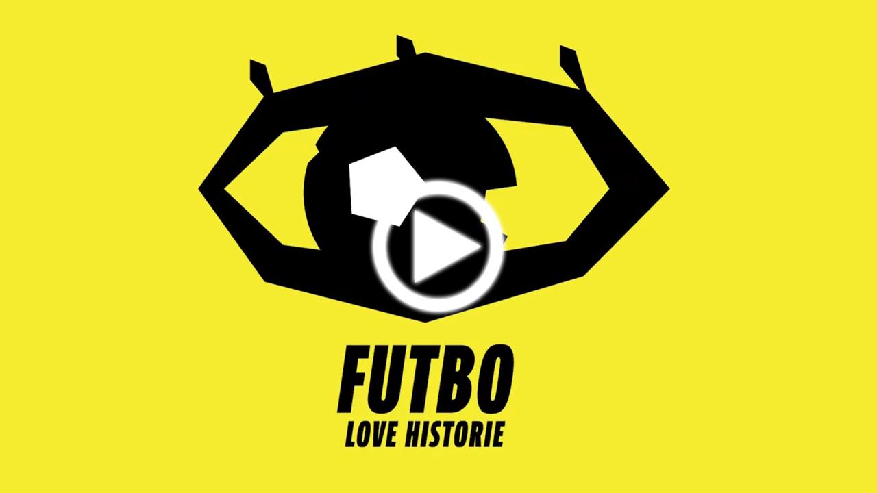 Plakat wystawy Futbolove. Klikając w ten link można posłuchać o wyjątkowej koszulce futbolowej.