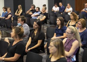 Na zdjęciu osoby uczestniczące w spotkaniu - pracownicy i pracowniczki PME.